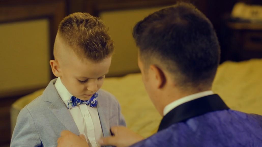 Pregatiri de nunta cu cel mic, filmat de cameraman profesionist