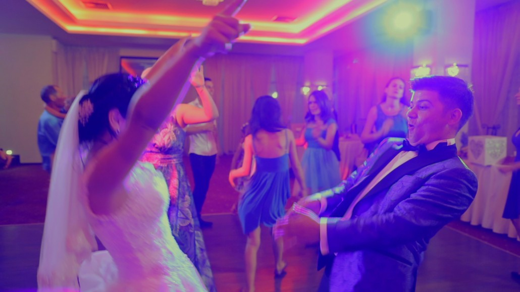dansul mirilor filmat de un videograf de nunta