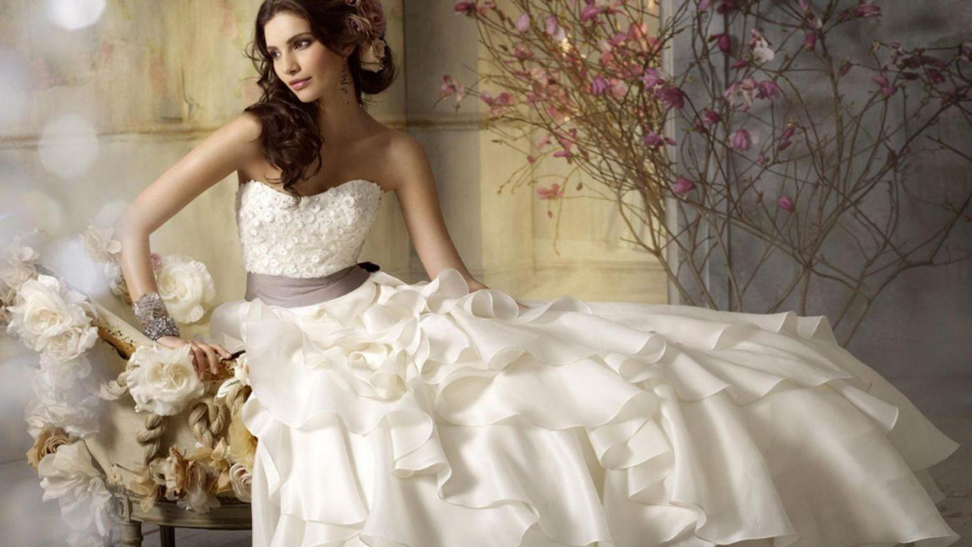 Istoria rochiei albe de mireasa