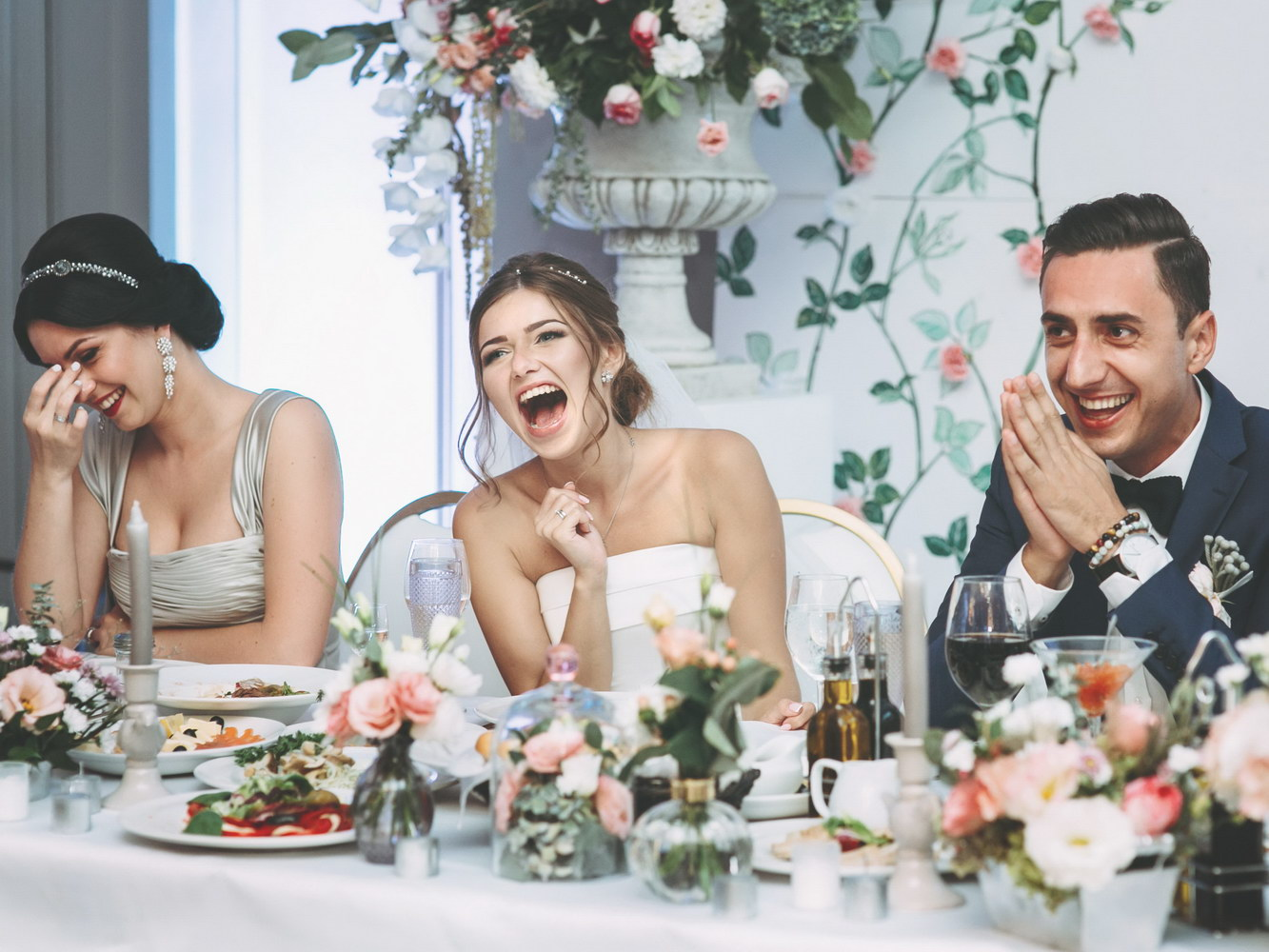 Aranjarea invitatilor la masa de nunta