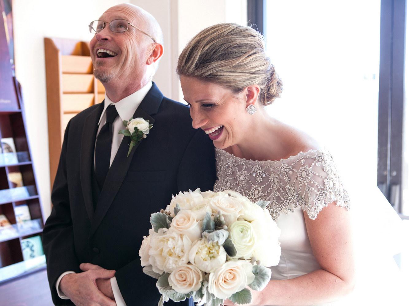 Ce poarta tata socru la nunta