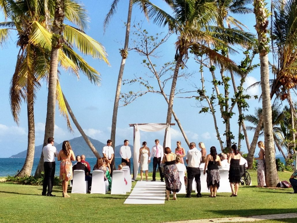 Ce sa porti la o nunta in afara granitelor