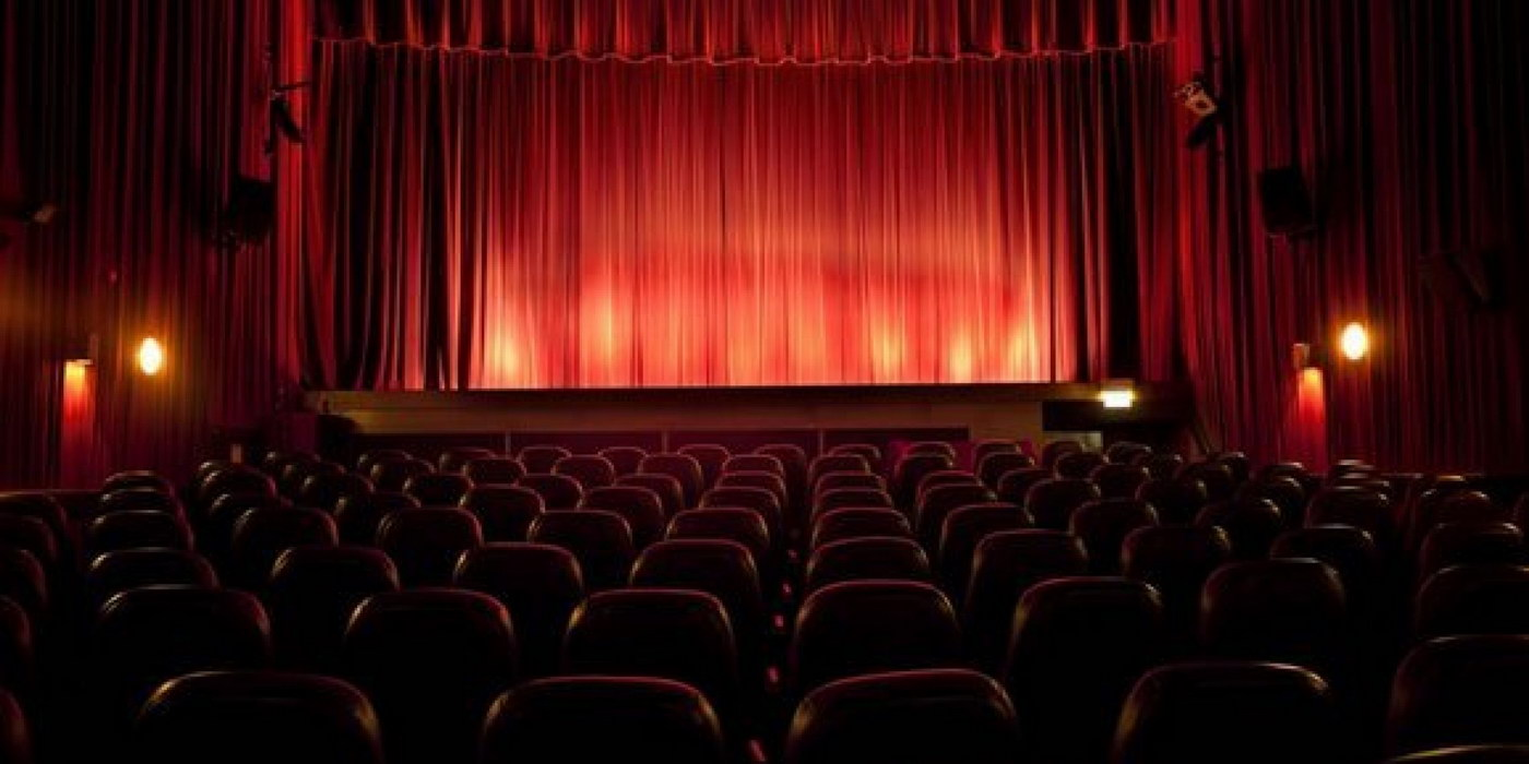 Cum sa o ceri de sotie la cinematograf