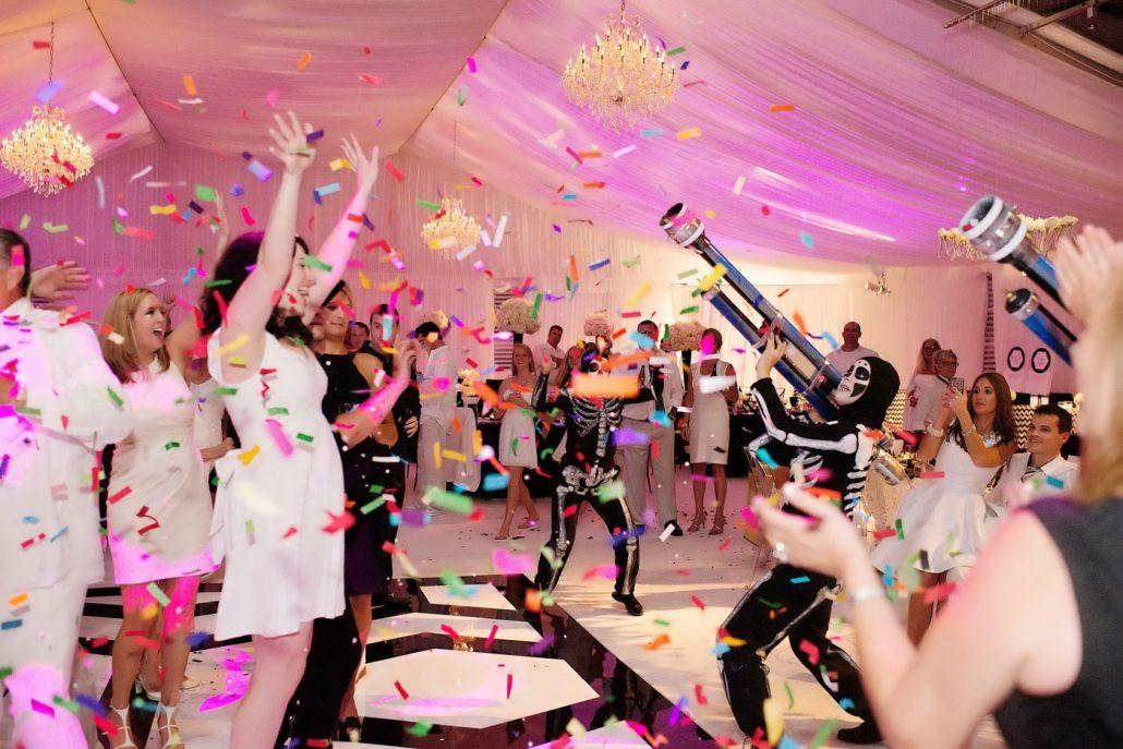 Idei de surprize pentru invitatii la nunta