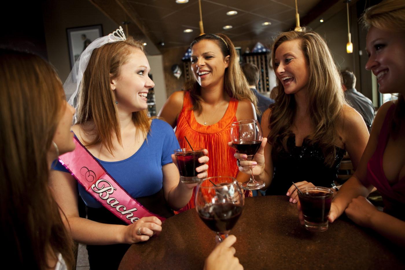 Idei de tematici pentru petrecerea burlacitelor