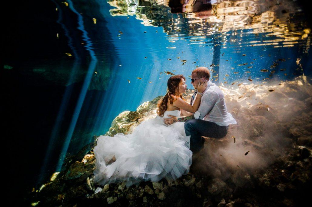 Fotografii artistice de nunta facute sub apa