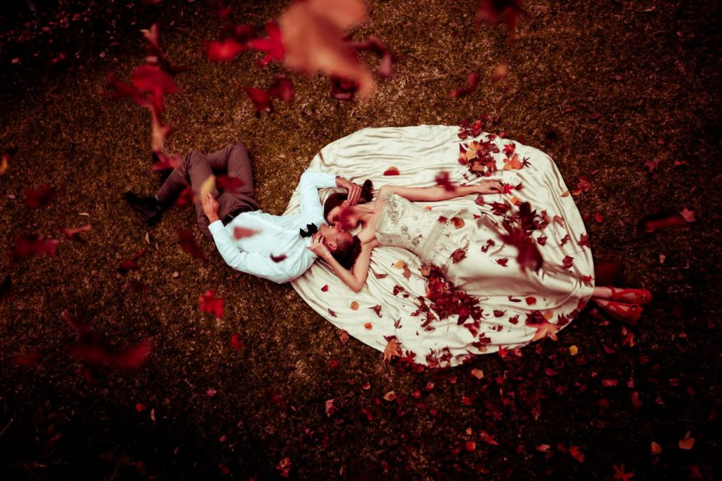Fotografii artistice de nunta facute toamna