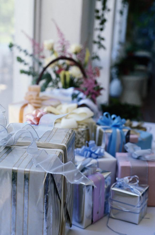 Cand poti deschide darurile de nunta
