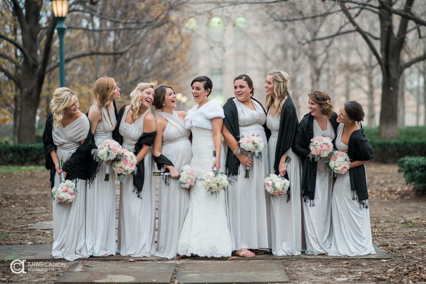 Cate domnisoare de onoare poti avea la nunta