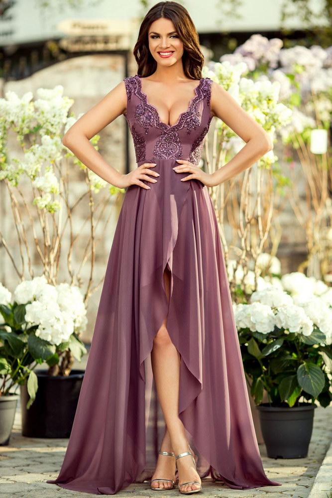 Culori de pantofi pentru rochiile violet ale domnisoarelor de onoare
