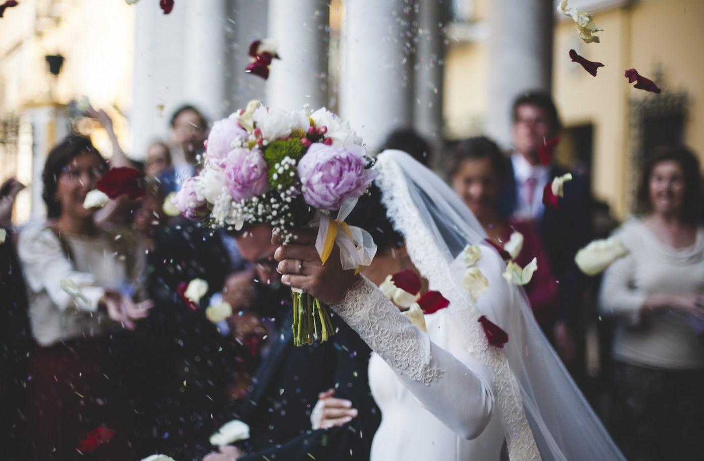 Cum folosesti retelele sociale la nunta