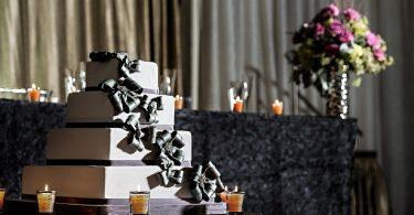 Ce faci daca tortul de nunta este distrus?