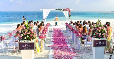 Cu ce te imbraci la nunta