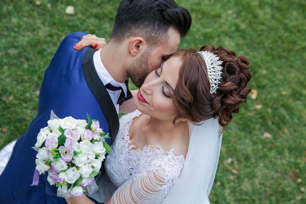 Despre steagul si bradul de nunta