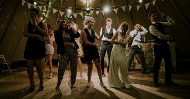Este obligatoriu sa iti iei la revedere de la miri inainte de a pleca de la petrecerea de nunta?