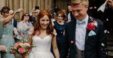 Iti inviti colegii de serviciu la nunta?