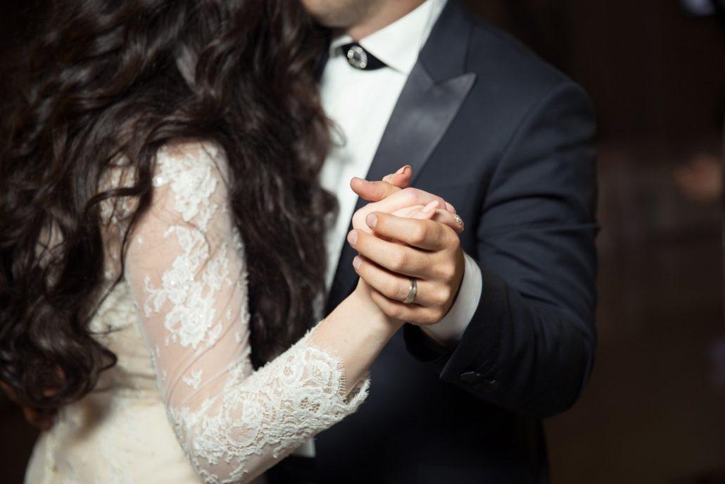 Motive pentru care puteti filma voi la nunta