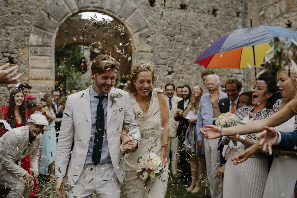 Cum sa te pregatesti daca ploua in ziua nuntii