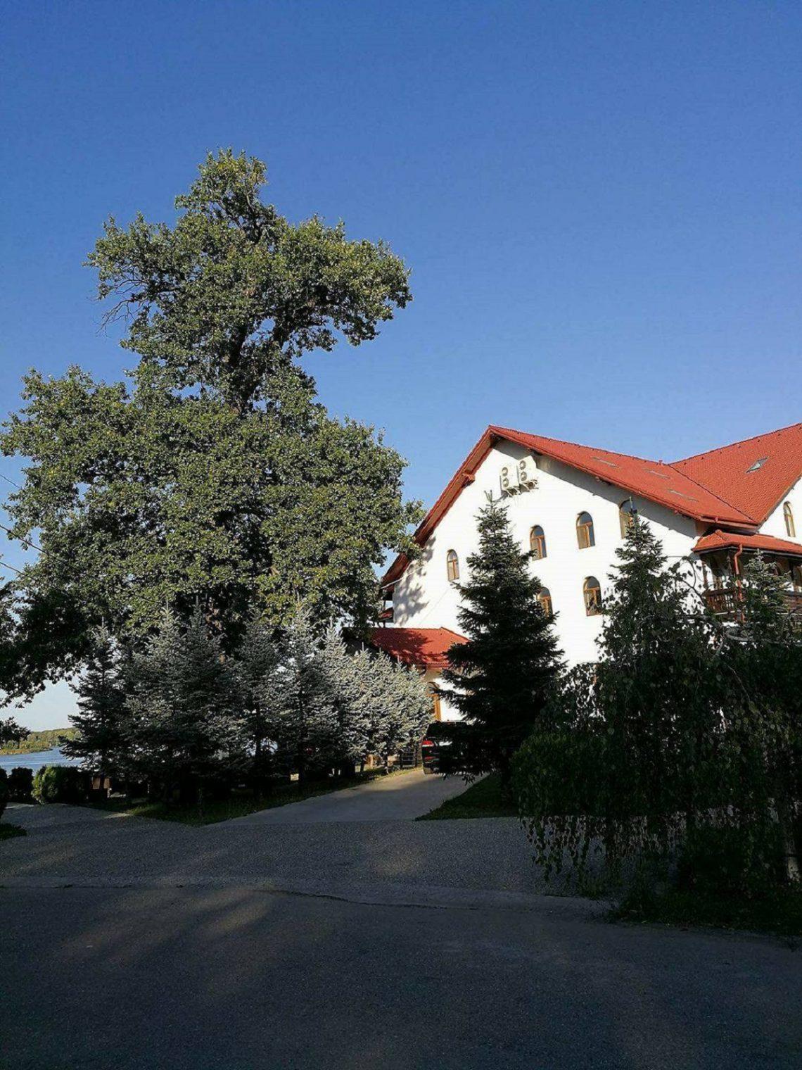 Hanul Vlasiei Snagov, un loc frumos, dar cu un management prost