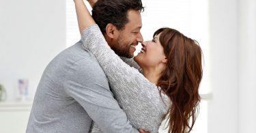 Lucruri simple pe care sa le faci zilnic pentru partenerul de cuplu