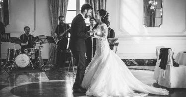 Pe ce muzica dansam la nunta?