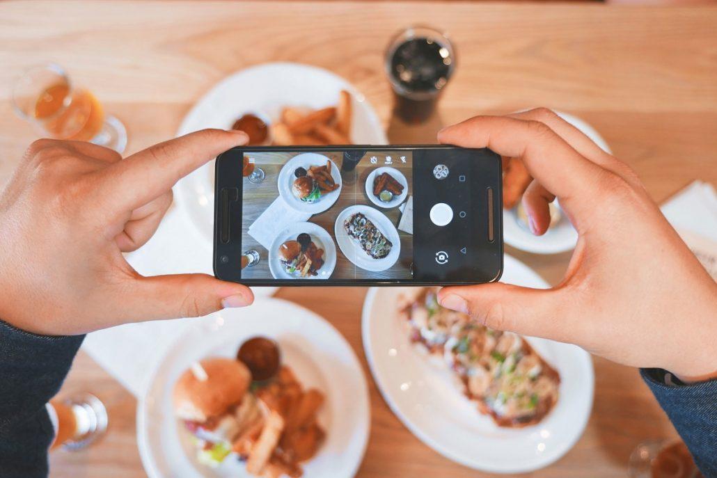 Reguli de utilizare a telefonului mobil la nunta