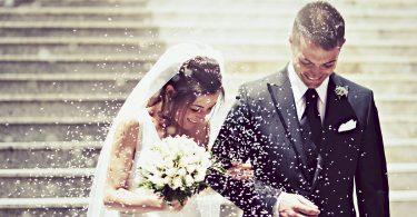 Ce faceti daca ati fost invitati la nunta unui cuplu care nu v-a oferit nimic la nunta?