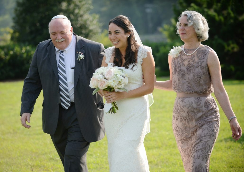 Iti inviti parintii vitregi la nunta?