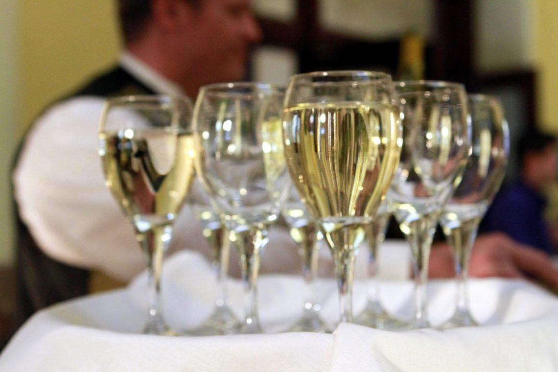 Ai baut prea mult alcool la nunta? Ce faci in ziua urmatoare?