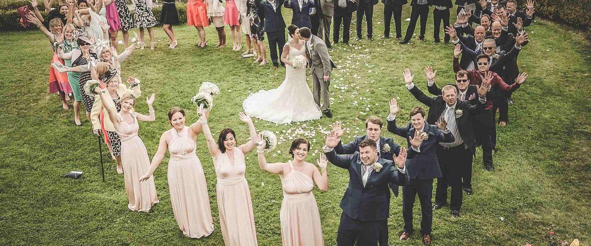 10 oameni pe care sa ii stergi de pe lista invitatilor la nunta