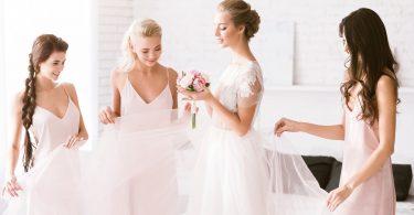 5 lucruri de stiut inainte de a vorbi cu domnisoarele de onoare despre tinuta lor