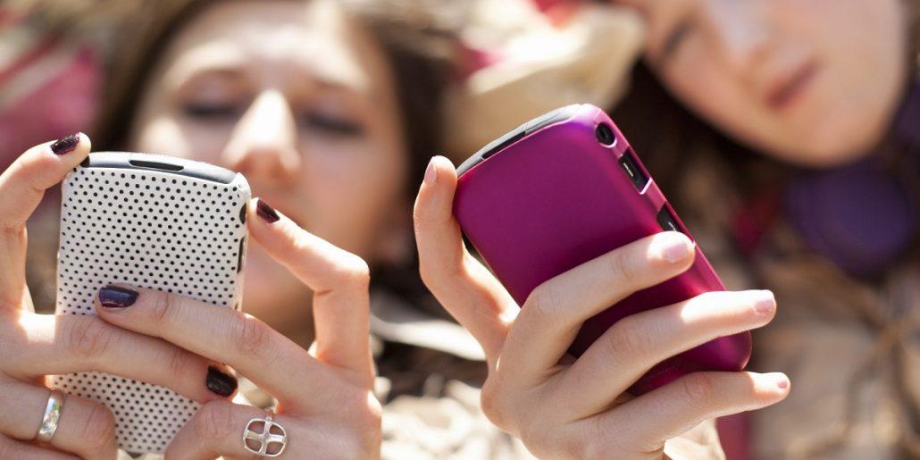 6 lucruri pe care sa nu le postezi pe retelele sociale dupa logodna