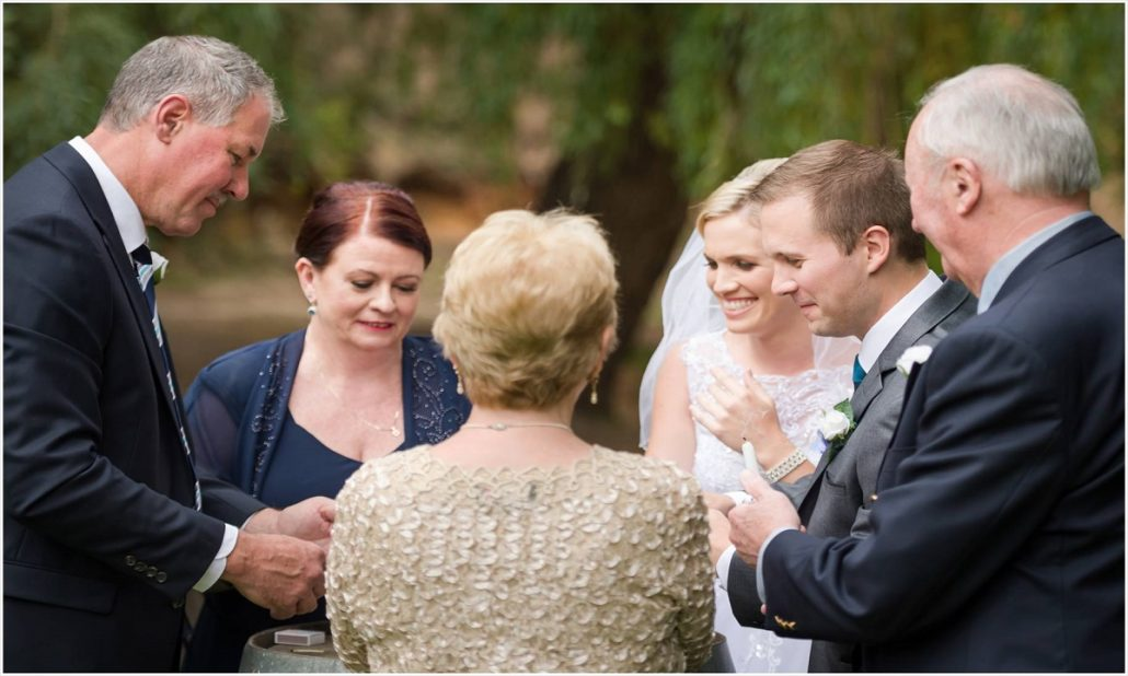 Ce sa faci daca nu vrei sa iti inviti parintii la nunta