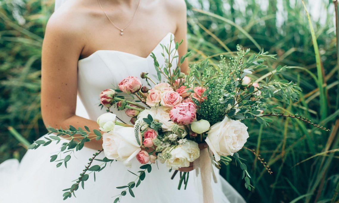 Cum sa nu iti neglijezi prietenii in timpul organizarii nuntii