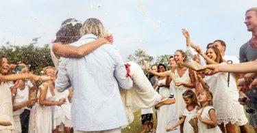 Ce faci daca nu vrei sa inviti la nunta o ruda