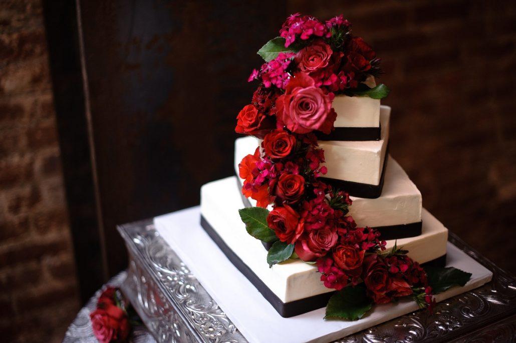 Trandafiri rosii la nunta