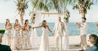 Cum alegi culorile si tema pentru o nunta pe plaja