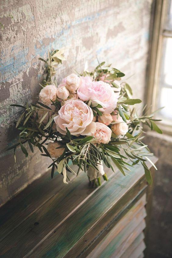Idei de flori pentru buchetul miresei