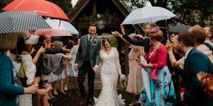 Cum te imbraci pentru o nunta în aer liber