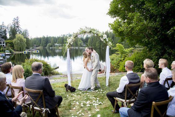 Nuntă pe malul lacului