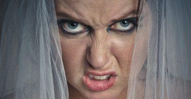 Mireasa de coșmar și invitații la nuntă care o urăsc