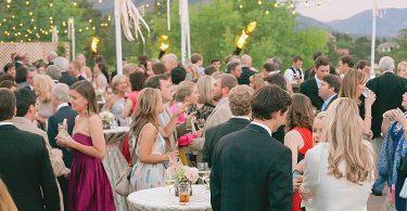 Cum te imbraci la petrecerea care sarbatoreste logodna