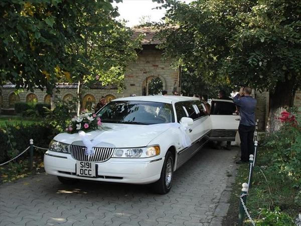 Limuzine si masini de epoca pentru nunta din Iasi