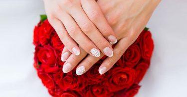 Modele frumoase pentru manichiura în ziua nuntii tale
