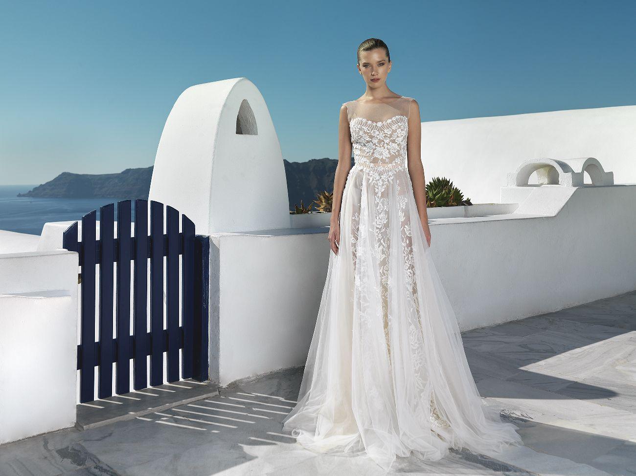 Natalia Vasiliev Designeri romani pentru rochii de mireasa
