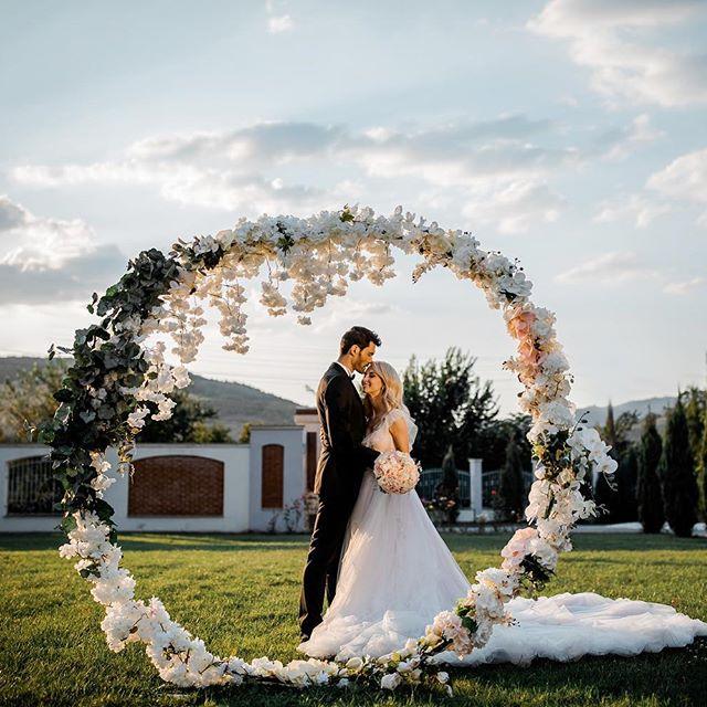 Sursa: Facebook Andreea Balan Cum sa ai fotografii instagramabile la nunta?