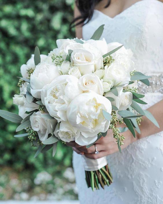 Nuntă în alb