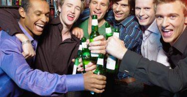 Cum cinstesti mirele la petrecerea burlacilor