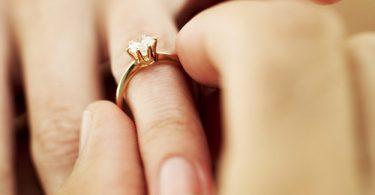 De ce sa tii cont cand cumperi inelul de logodna