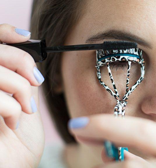 De ce să nu porți mascara waterproof